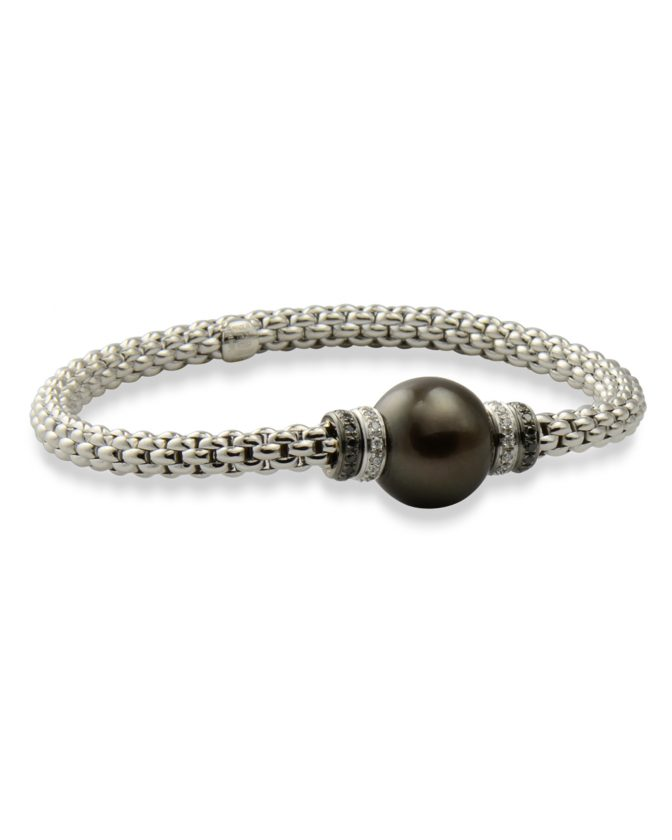 Flexible pearl and diamond bracelet by Fope