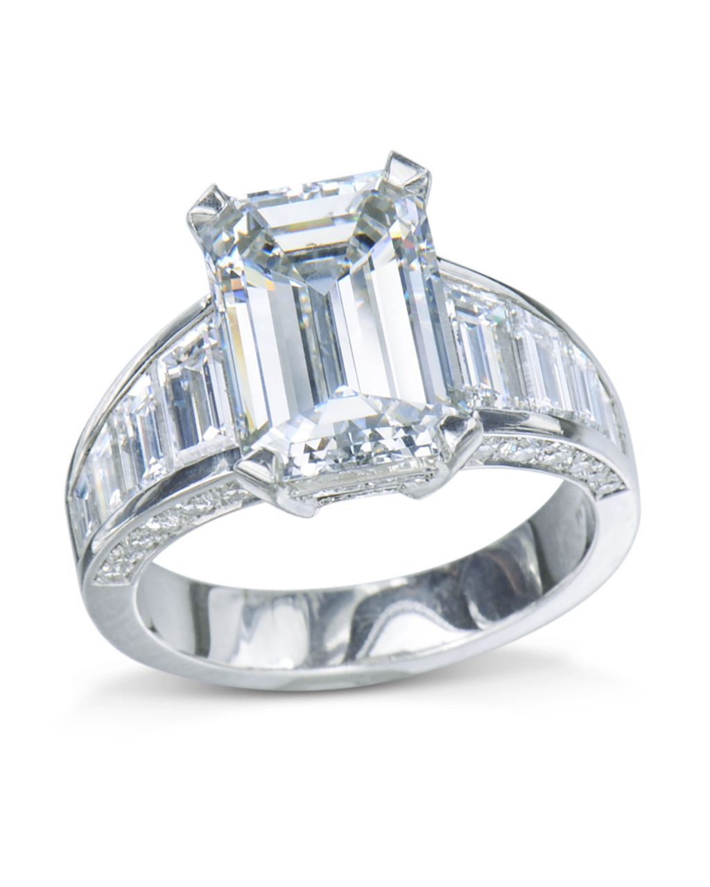 Emerald Cut With Trapezoid Diamond Engagement Ring
